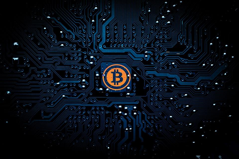 Bitcoin logo på kretskort
